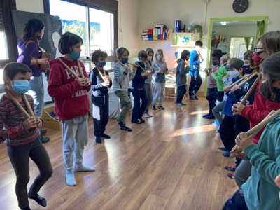 L'Escola Balla, un projecte pioner de danses tradicionals